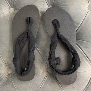 Sanuck Flip Flops